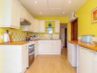 image of kitchen Morlais self catering holiday cottage Perranuthnoe