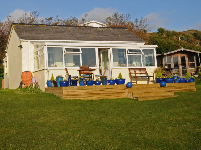 image of Morlais holiday cottage perranuthnoe