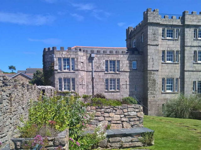 image of the North Wing at Acton Castle self catering accommodation near Perranuthnoe
