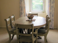 image of the dining table in The Vineyard self catering accommodation in Perranuthnoe